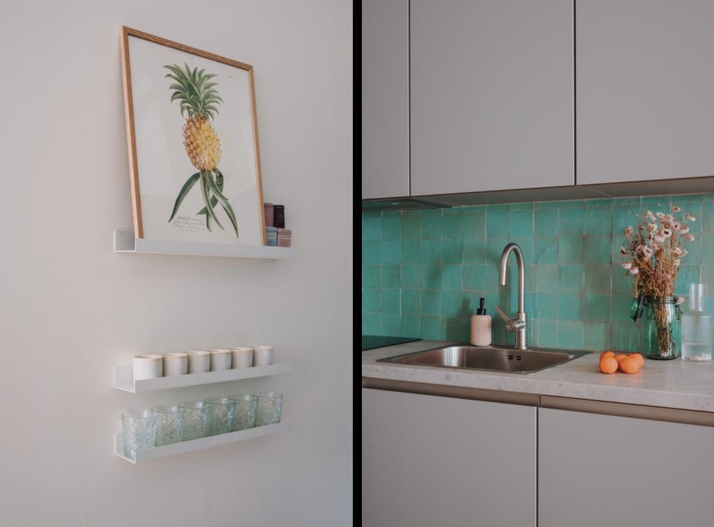 Deux photos de la cuisine de Marielle : à gauche des étagères murales où sont posés les verres et tasses. A droite, un zoom sur la cuisine grise et quelques accessoires posés sur le plan de travail